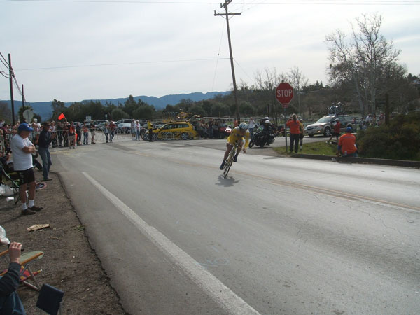Levi Leipheimer, started in yellow and won the day to extend his lead
