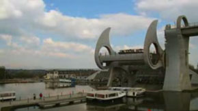 Falkirk wheel joining two canals at different heights