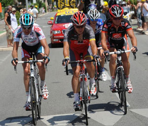 Sergio Paulinho attacks from a long break to win stage 10