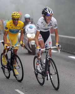 Andy Schleck attacks, Alberto Contador follows...