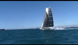 l'Hydroptere sets mile record for sailboats