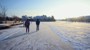 Dutch Winter: a video of frozen-over Lemmer