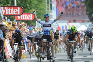 Tyler Farrar wins stage 3 for his first Tour victory