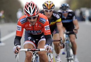 Cancellara just ahead of Boonen in the 2014 Tour of Flanders