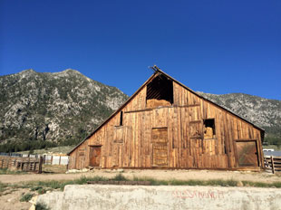 Tahoe barn on the Emigrant Trail