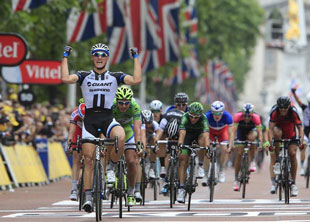 Marcel Kittel triumphs in downtown London