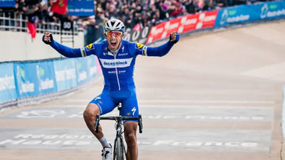 Philippe Gilbert wins 2019 Paris-Roubaix